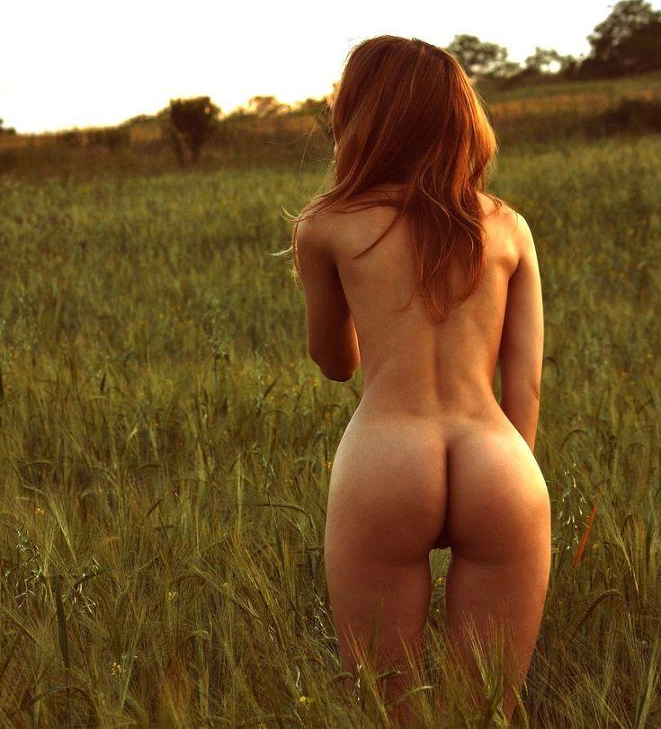 Фото голой девушки со спины