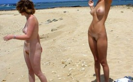 202-Nude-girls-caught-at-the-beach.jpg