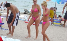 225-Pink-bikini-babes-walking-on-hot-beach-sands.jpg