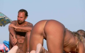 563-Woman-on-hands-and-knees-sexy-pussy-in-full-view.jpg