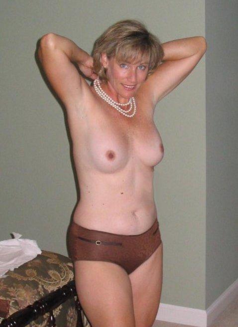 average nude wife