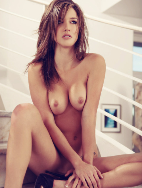 Nude hot model looks gorgeous