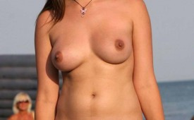 58-Chubby-hot-girl-show-her-curvaceous-body-and-nice-cameltoe.jpg